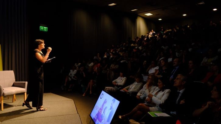 ComunidadMujer paula-estudio Institucionales Liderazgo Noticias Noticias destacadas